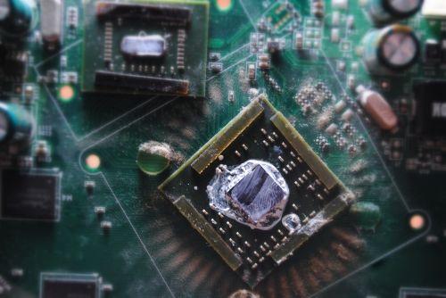 fee capacitors resistors