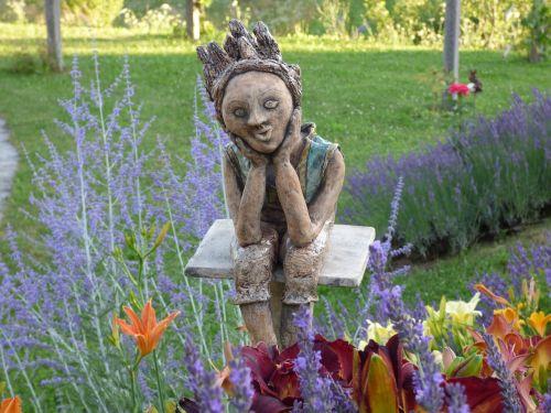 fee lilies lavender