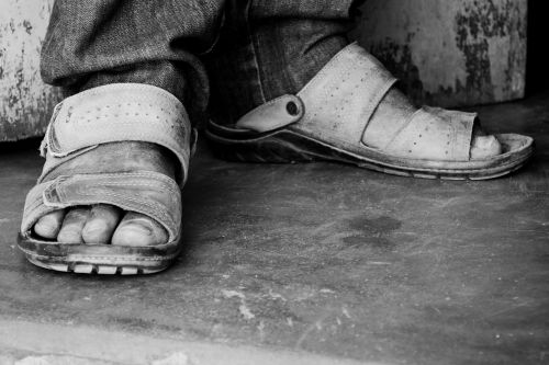 feet man sandals