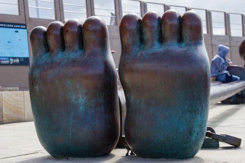 feet art toes