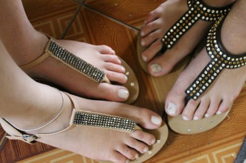 feet sandals networks