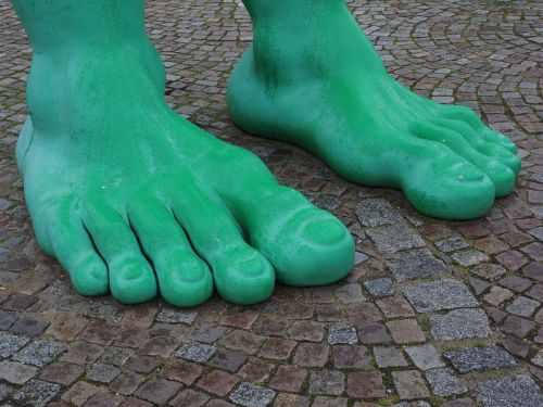 feet giant feet green