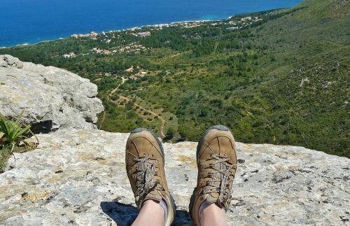 feet hiking shoes shoes
