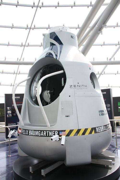 felix baumgartner stratosphere