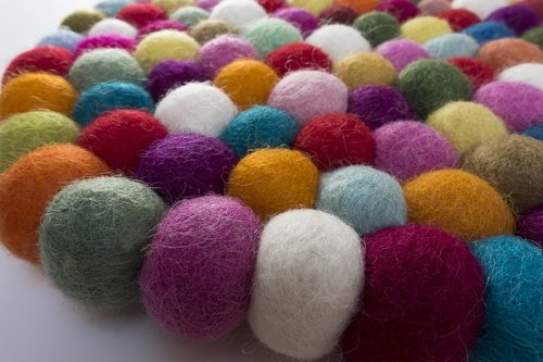 felt  balls  sheep's wool