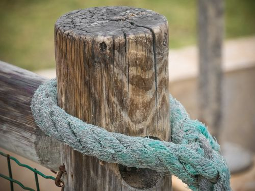 fence goal knot