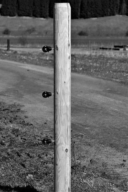 fence post  s w  insulators