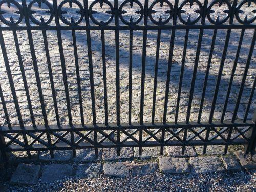 fences iron texture