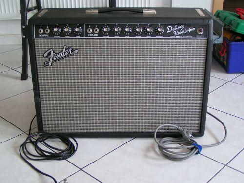 fender deluxe reverb-amp speakers