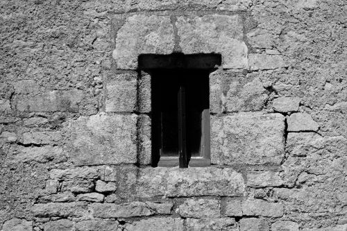 window,bar,wall,house,details,blackwhite,rural,stones,architecture,building,shadow,window of old house
