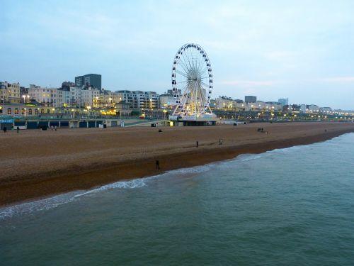 ferris wheel beach brighton