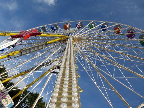ferris wheel folk festival year market