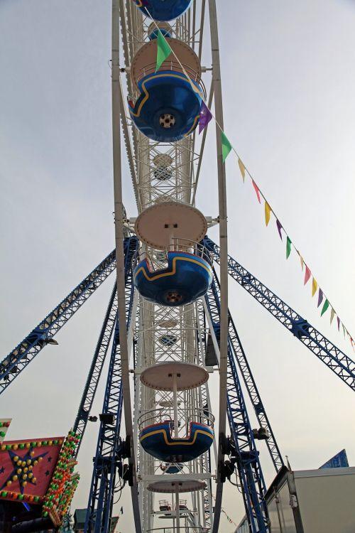 ferris wheel folk festival fairground