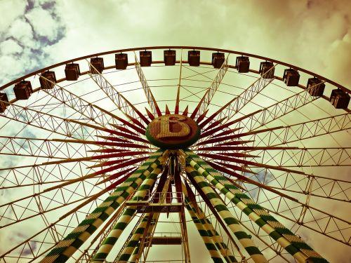 ferris wheel fair folk festival