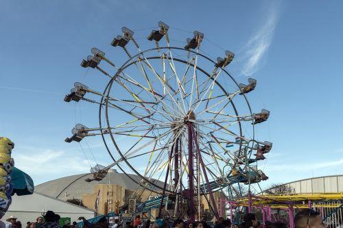 Ferris ratas,didelis ratas,stebėjimo ratas,karnavalas,važiuoti,pramogos,linksma,parkas,aukštas,ratas,jaudulys,pritraukimas,paroda