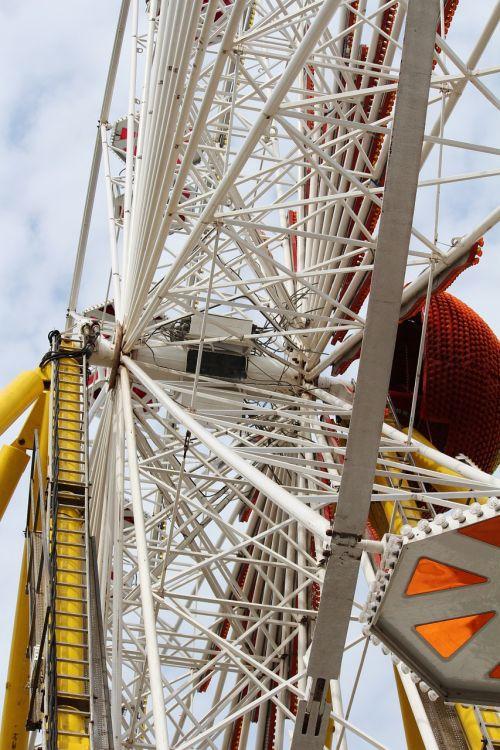 ferris wheel gondola ride