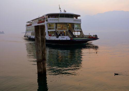 ferry lake mooring
