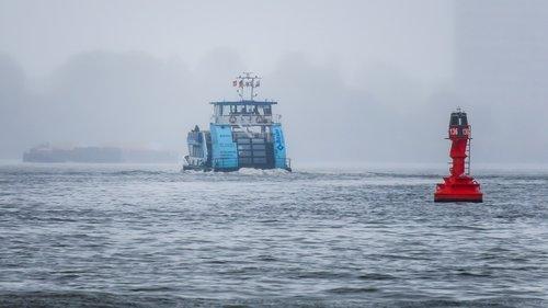 ferry  boje  port