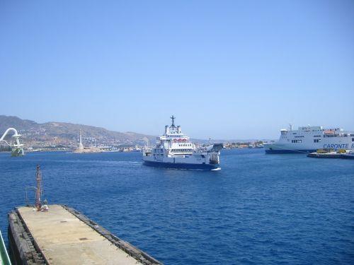 ferry sicily strait messina