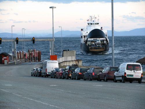 ferry wait queue