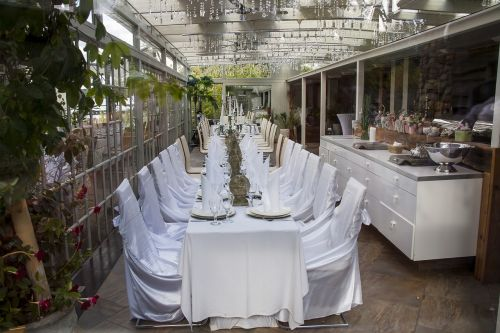 festive table white wedding