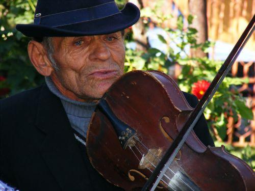 fiddler,muzikantas,vyras,Patinas,muzika,žaisti,žaisti,instrumentas,čigonai,smuikas,smuikininkas,styginis,atlikti,atlikti,spektaklis,muzikinis,žaidėjas