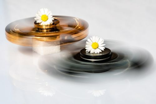 fidget spinner various fidget spinner daisy in the middle