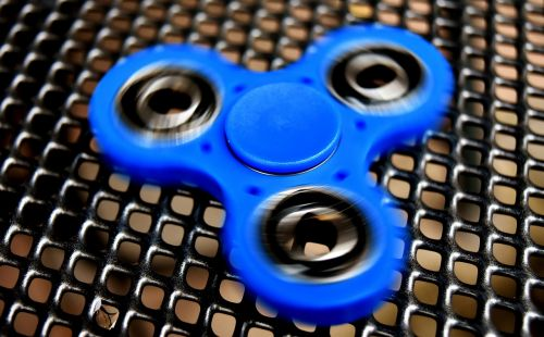 fidget spinner popular play