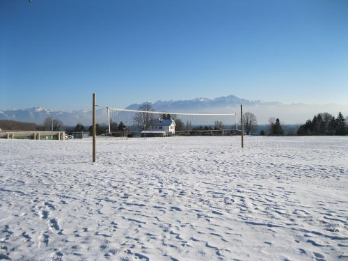 field volleyball snow
