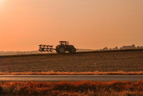 field  tractor  fields