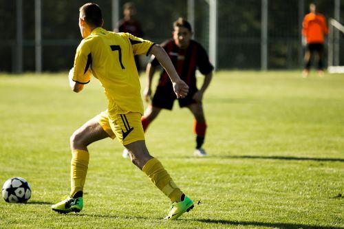fielder attack football