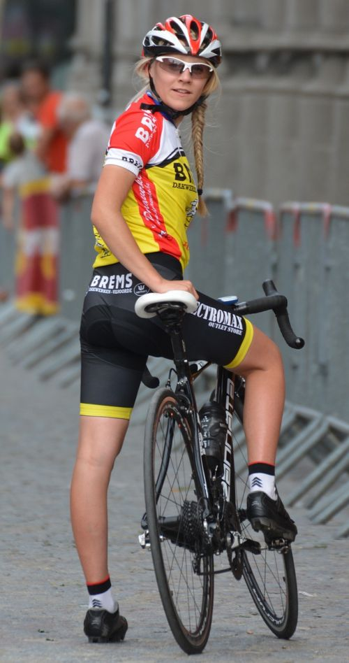 fietster cycling woman