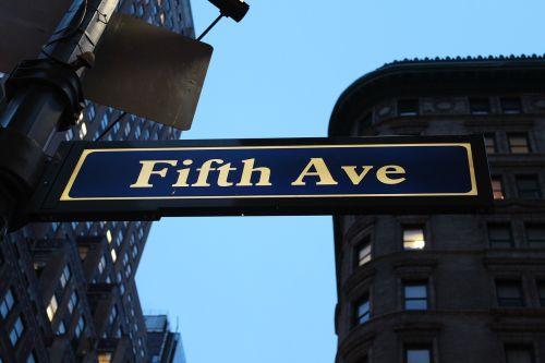 fifth avenue sign avenue