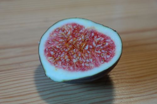 fig fruit ripe