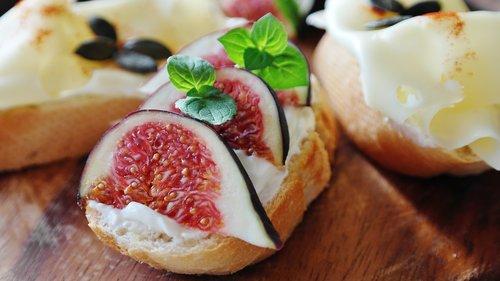 fig  cheese  cream cheese