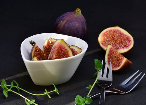 fig  sliced  dessert