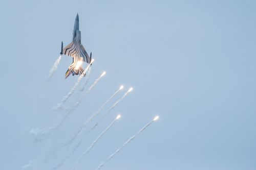 fighter aircraft flares show