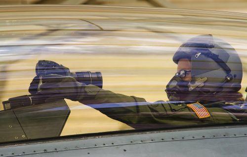 fighting falcon f 16 d cockpit