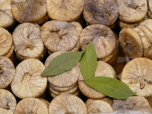 figs dried dried fruits