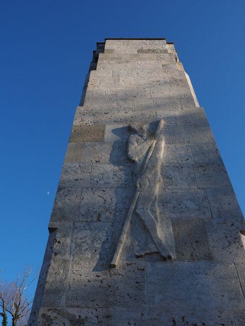 figure man monument