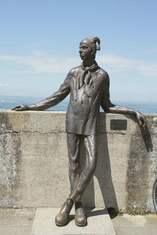figure funny statue