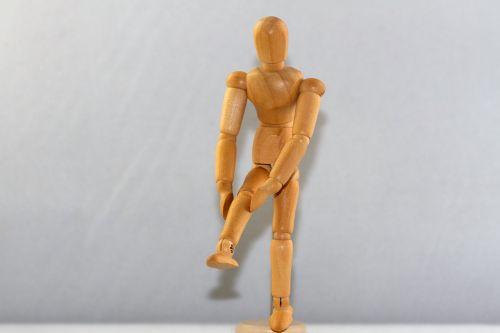 figure man knee