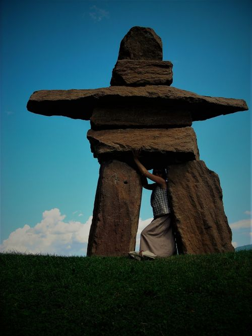 figure stone monument