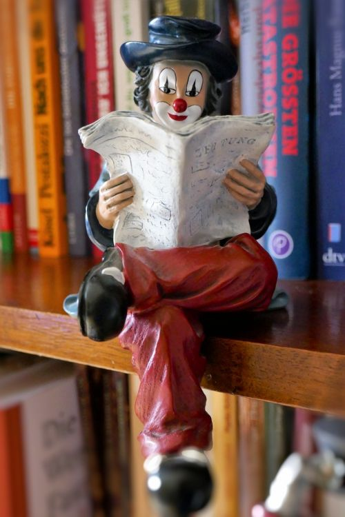 figure clown read