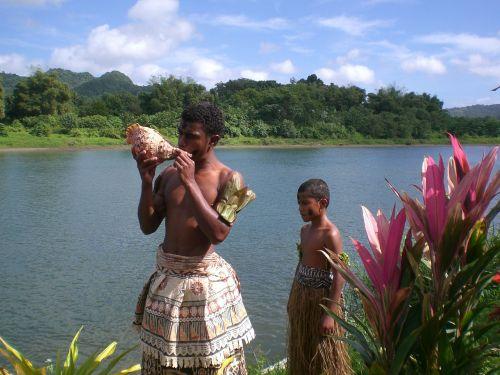 fiji ethnic conch shell