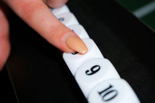 finger pay nail