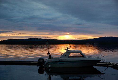 finland lake fishing vessel