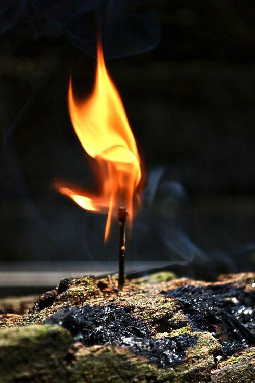 Ugnis,rungtynių lazda,deginti,deginimas,liepsna,liepsnos,dūmai,Prisijungti deginimas