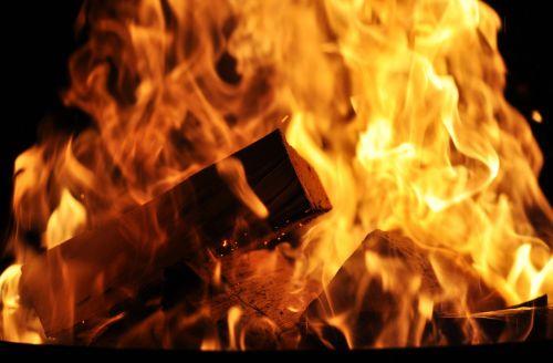 Ugnis,mediena,deginti,liepsna,blaze,karštas,medžio ugnis,atvira ugnis,fonas,Velykų ugnis