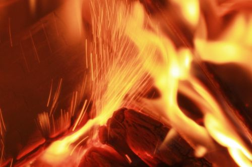 Ugnis,medžio ugnis,angelai,šiluma,heiss,prekinis ženklas,orkaitės ugnis,medienos deginimo krosnis,liepsna,radijas,Uždaryti,Iš arti,fonas,tekstūra,tekstūros,židinys,atvira ugnis